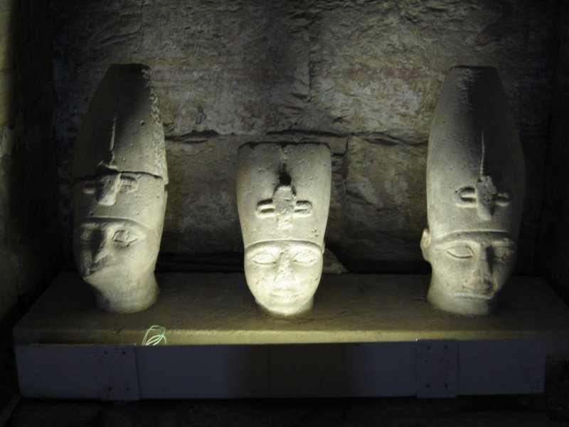 Heads, Abydos